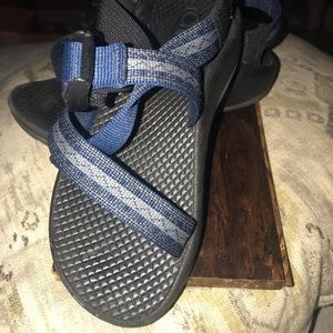 Chacos boys blue Sz 13